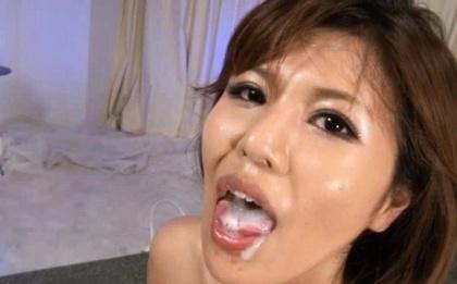 Sexy babe Pine Shizuku receives bukkake