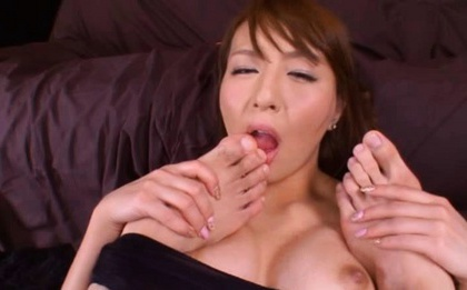 Jessica Kisaki Hot Asian doll gets bukkake sex action!