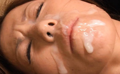 Bukkake Babe Chihiro Akino Blasted In The Face With Cum