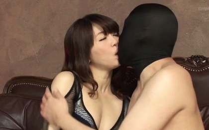 Hot girl with bubble ass Saki Ninomiya gets a huge facial load