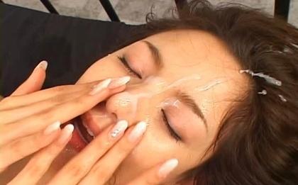 Tina Yuzuki Hot Asian model gets huge bukkake