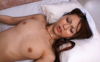 Saki Kozakura Lovely Asian doll gets a cum facial