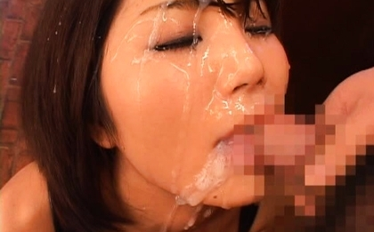 Azumi Harusaki Lovely Asian girl enjoys hot bukkake