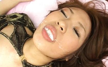 Yuuna Enomoto has hot Asian sex