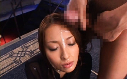 Nao Yoshizaki Sexy Japanese babe and hot bukkake